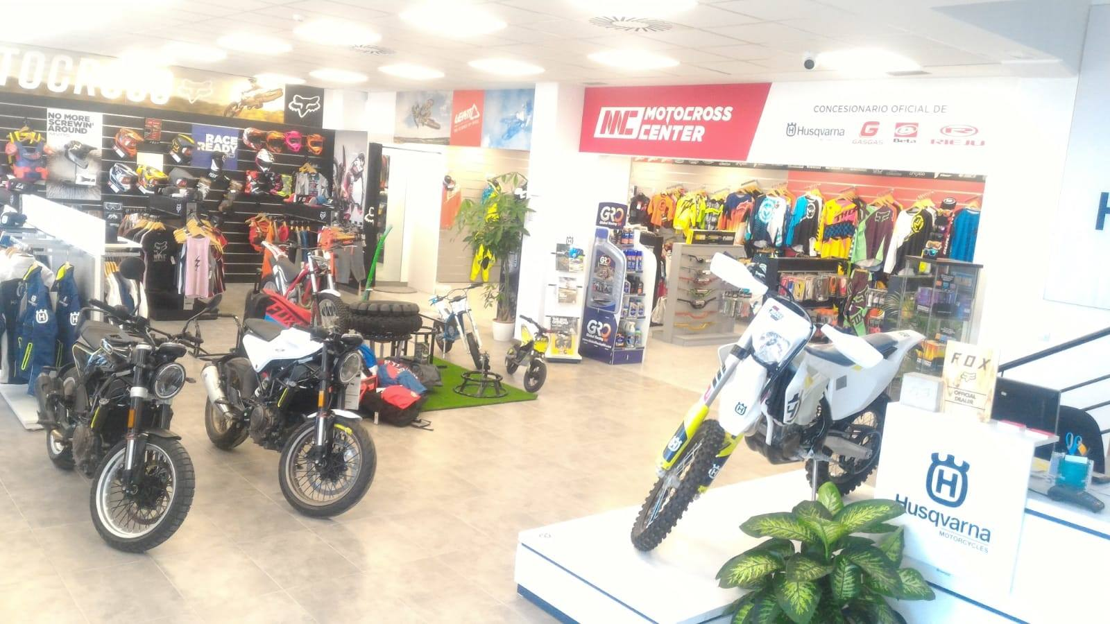 https://www.motocrosscenter.com/shop/blog/wp-content/uploads/2018/09/40571170_1952311381499004_5983474490888159232_o.jpg
